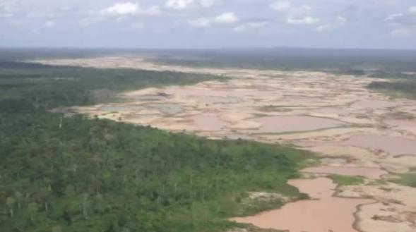 Madre de Dios: Mineros ilegales dejan desiertos de arena en medio de la selva