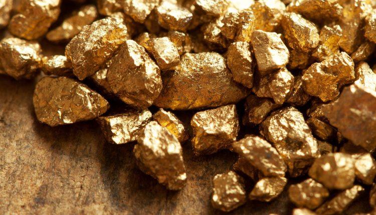 El oro cambia de color y aumenta su valor