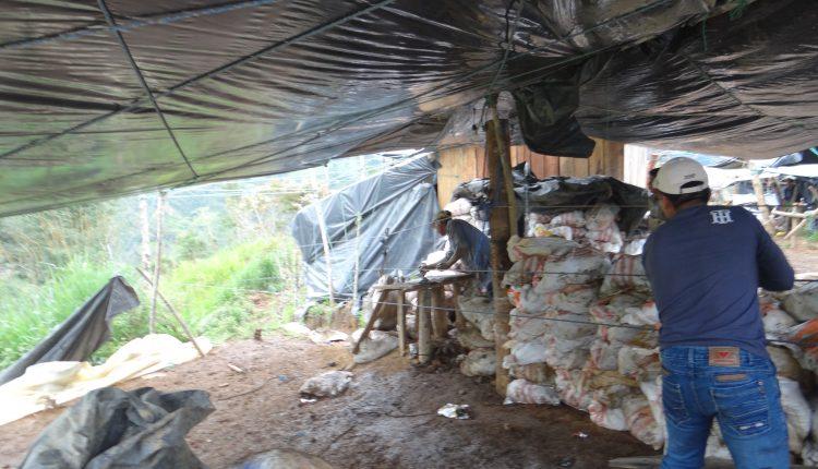 Inminente desastre en asentamiento minero ilegal de Buenos Aires.