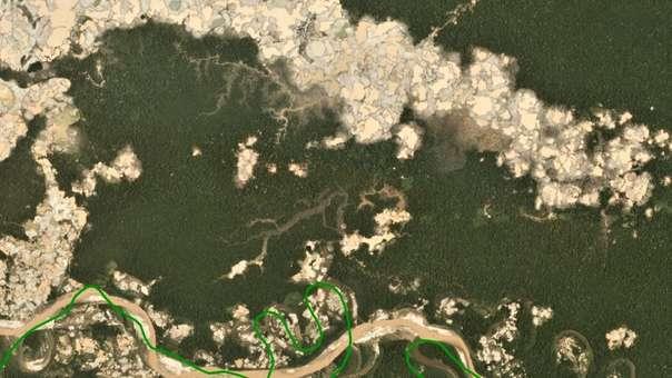 La deforestación por minería ilegal alcanza niveles históricos en Perú.