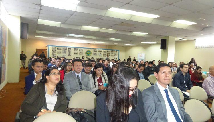Subsecretario de Minería Industrial asiste a primera Geológica Minera en Quito.
