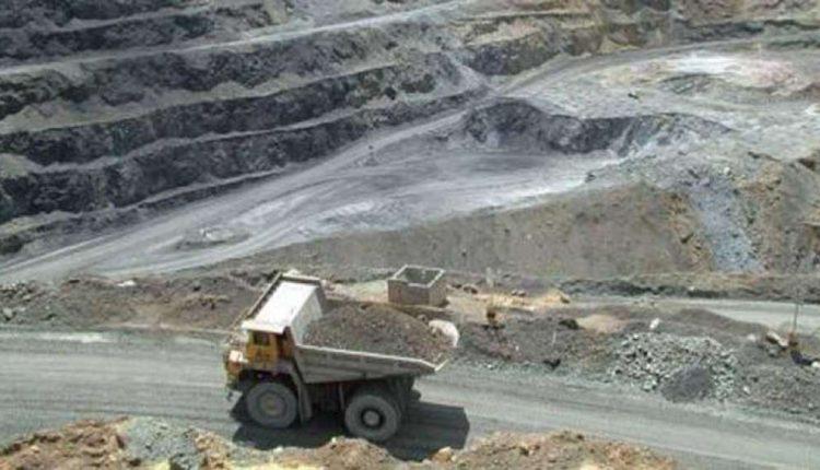 Comunidades analizan acciones contra la minería