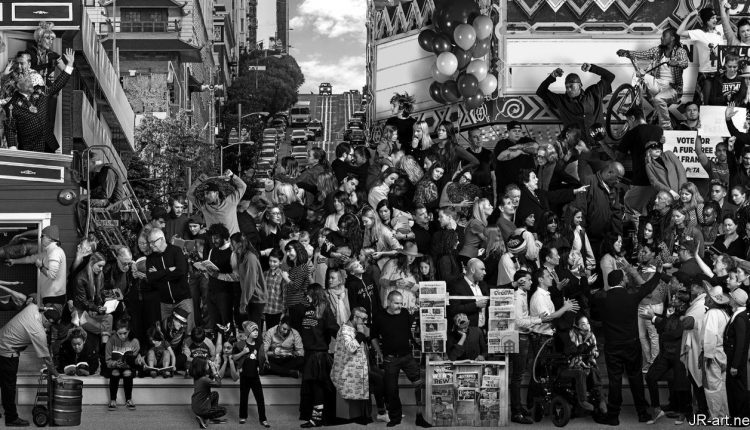 El mural social y político se digitaliza