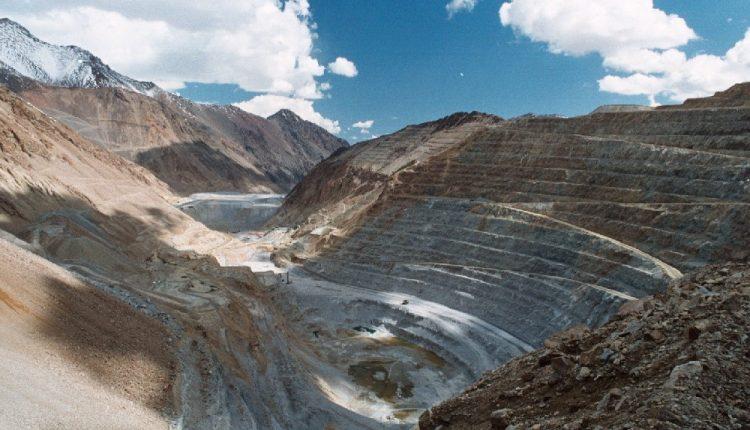Mineras aún resisten impacto de las protestas, pero están atentas