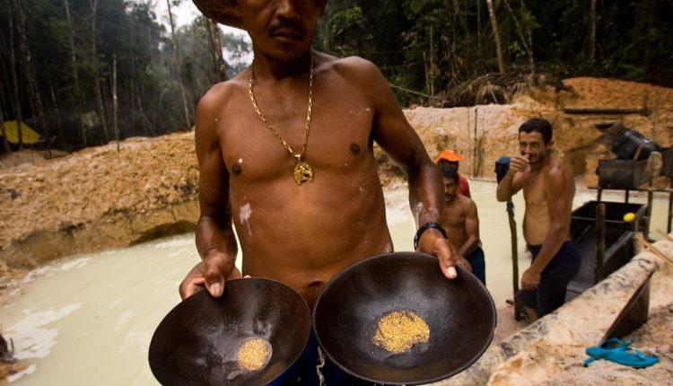 Las 1.900 minas ilegales de oro, diamante y coltán de Venezuela