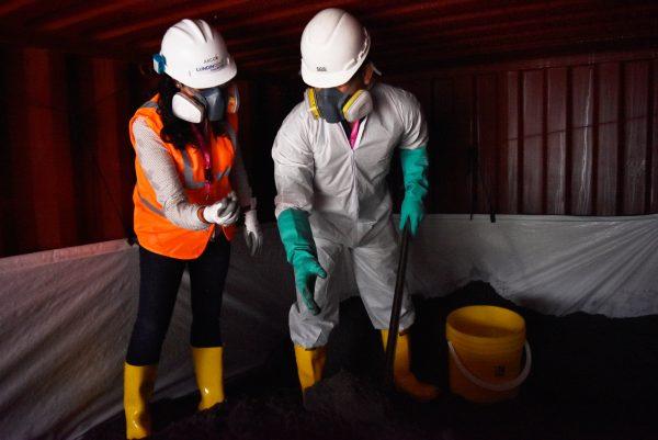 La ARCOM inspecciona la toma de muestra para la primera exportación de concentrado de oro de Fruta del Norte