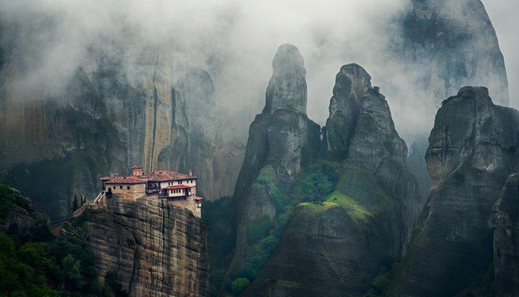 Este monasterio en lo alto de un acantilado es sorprendentemente accesibl
