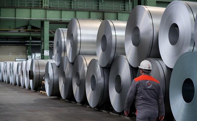 Fitch: analistas mantienen pronóstico del precio de hierro para este año